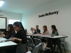 Dinamica en Clase-Teoria del Color Curso Asesoria de Imagen Profesional y Personal Shopper SoniaMcRorey Asuncion Ciudad del Este Paraguay