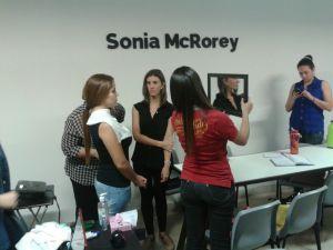 Practica de colorimetria en Clase Curso Taller Charlas SoniaMcRorey AsesoriaDeImagen