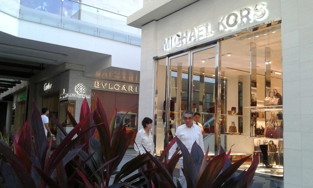 Personal Shopper para Hombres y Muejres ASU PARA Moda Tendencia Asesor Asesora Asesoria de Imagen SoniaMcRorey.jpg