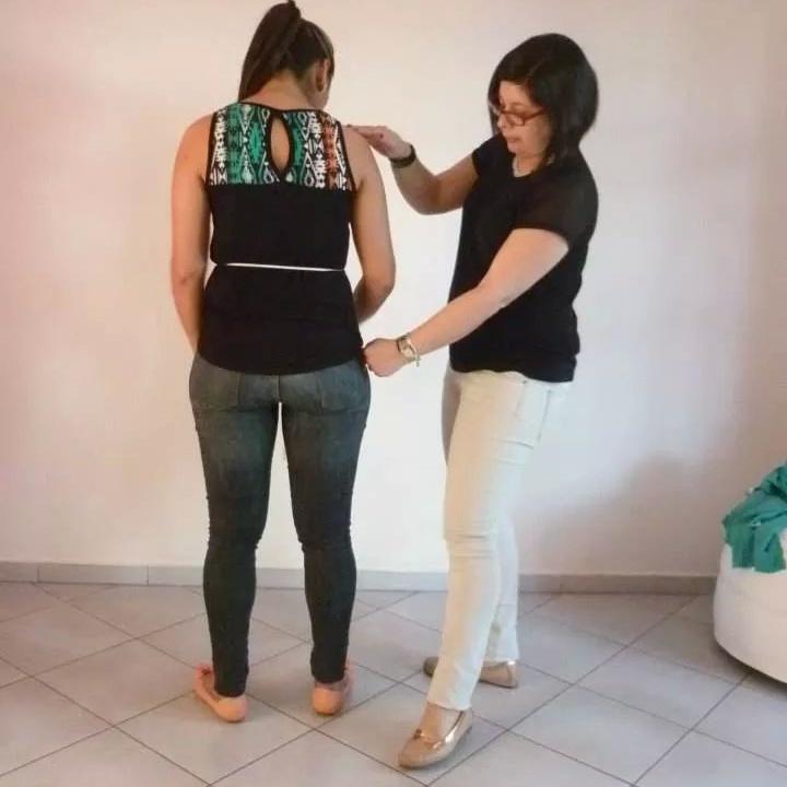 Sonia McRorey Asesora de Imagen diagnostico de Tipo de Cuerpo durante el taller de Imagen Femenina Asuncion Paraguay
