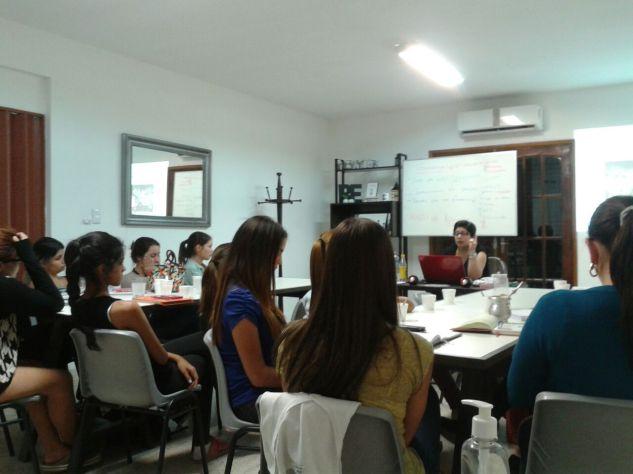 Clase Curso Diplomado Asesoria de Imagen Personal Shopper para Mujeres