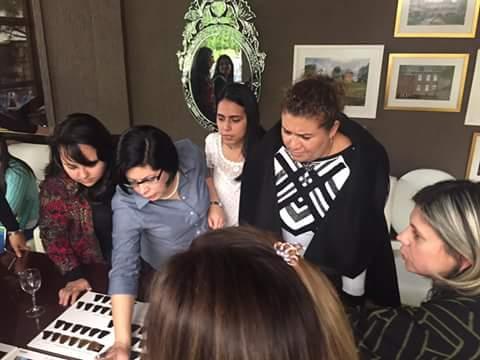 Practica de Identificacion de Tono de Cabello - Color - Colorimetria - Asesor de Imagen Personal Shopper Tijuana BajaCalifornia