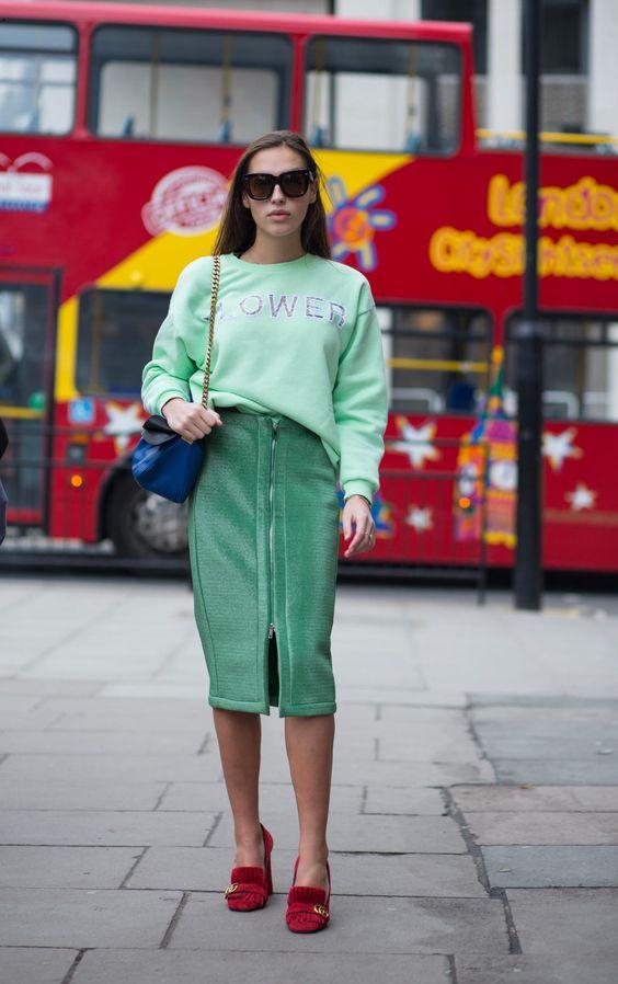 azul-verdes-rojo-falda-pollera-sudadera-combinaciones-proba-vestite-diferente-sali-de-tu-zona-de-confort-asesoriadeimagen-asuncion-tijuana-sand